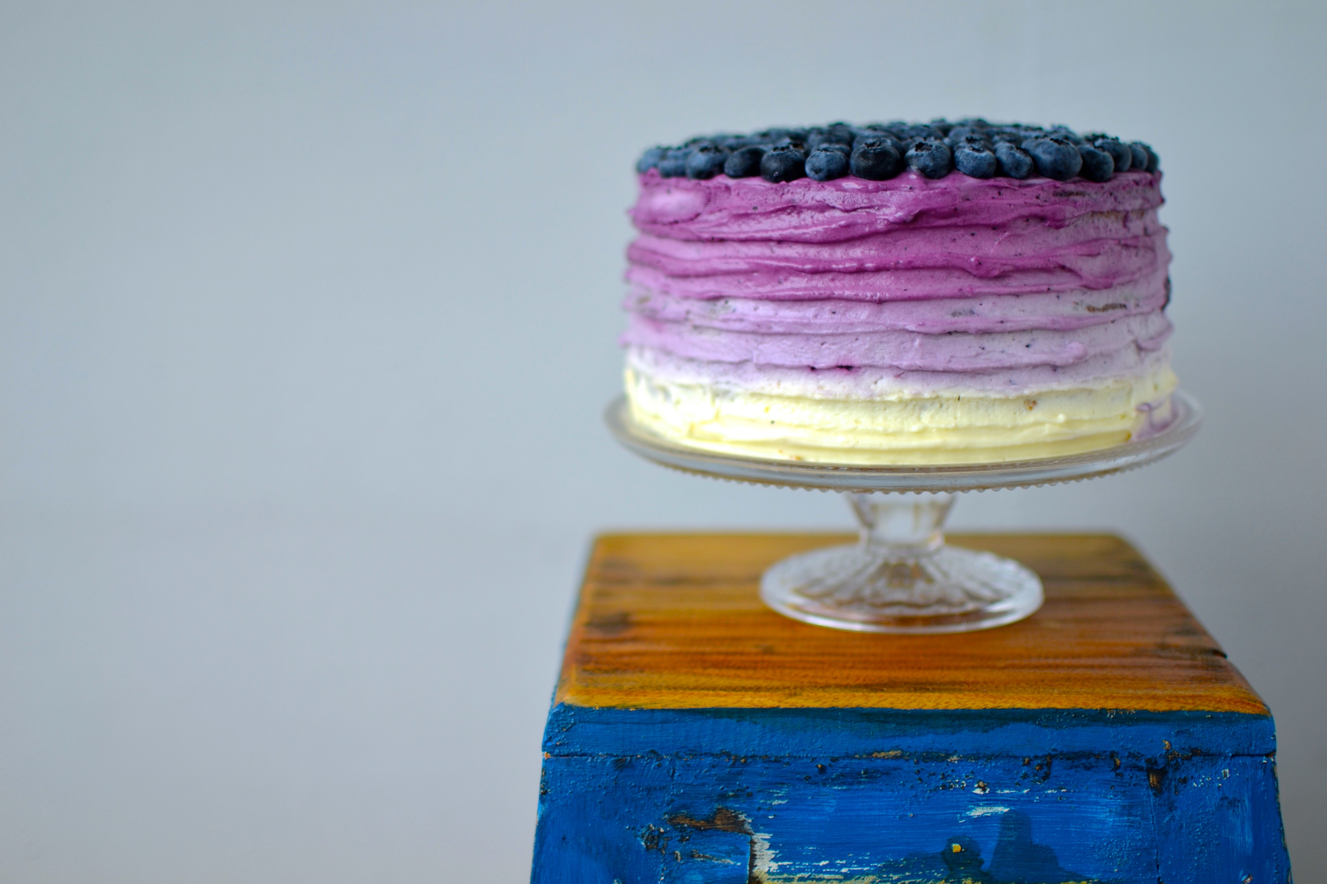 Blaubeer-Ombre-Torte