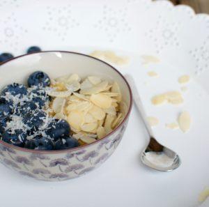 Bulgur Porridge mit Beeren