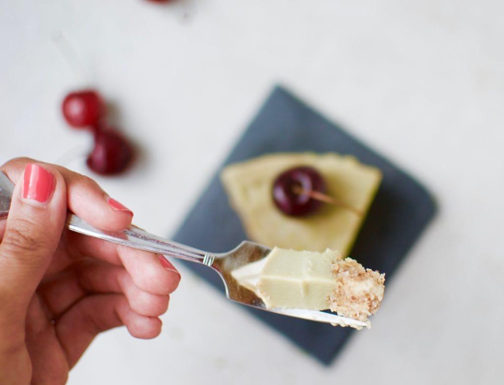 Avocado Cheesecake mit MandelKokosboden