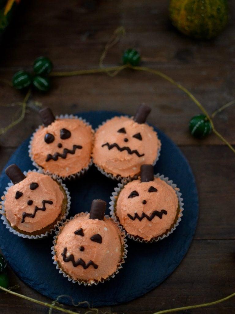 Kürbis-Cupcakes Halloween