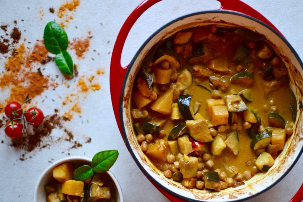 Kürbis Curry mit Auberginen und Kichererbsen