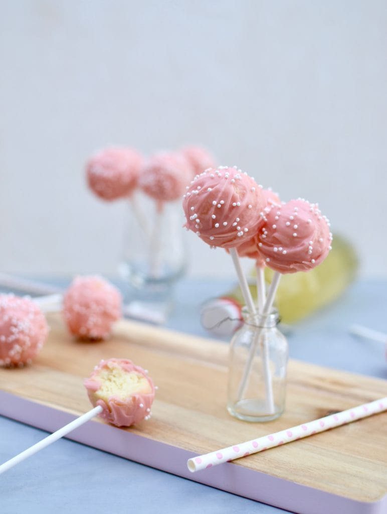 holunderbl ten cake pops laura dreams of cakes. Black Bedroom Furniture Sets. Home Design Ideas