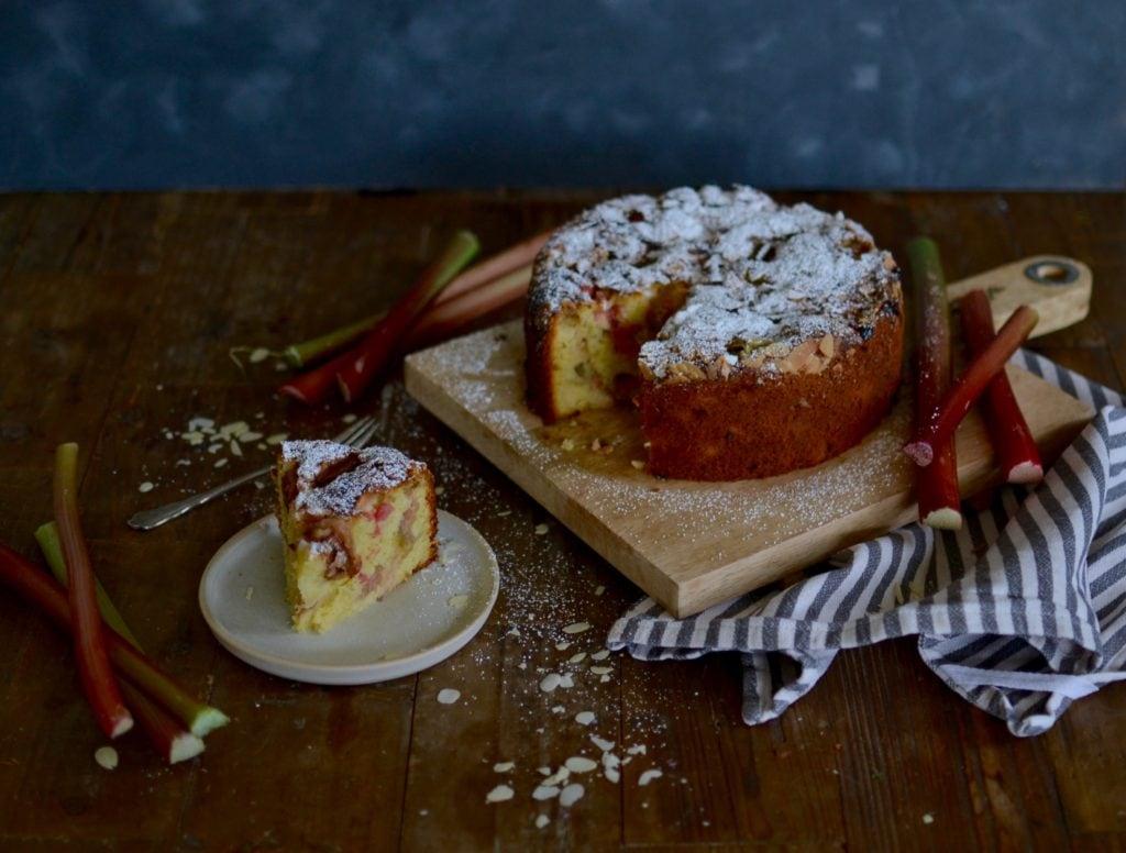 Rhabarber-Joghurt Kuchen